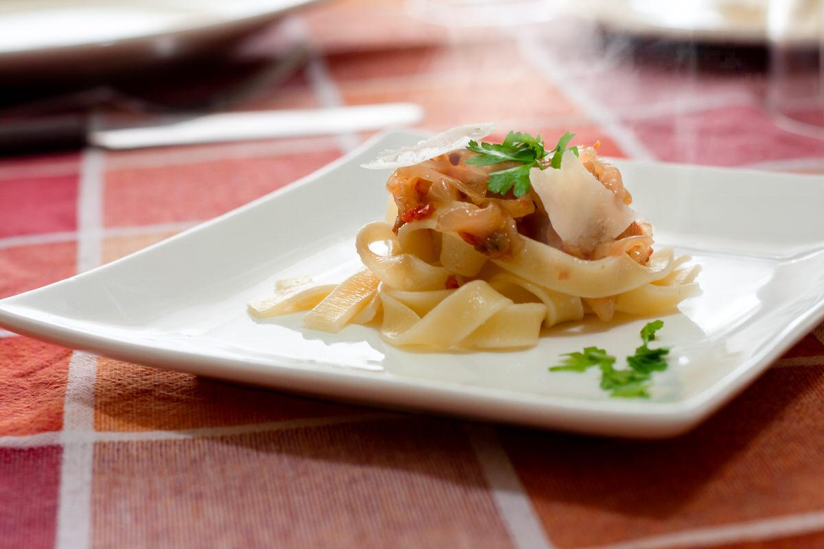 fagone-pappardelle-alla-siciliana-cipolla